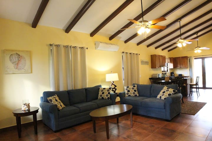 Home away from home 2 bdrm sleeps 4 in Pedasi