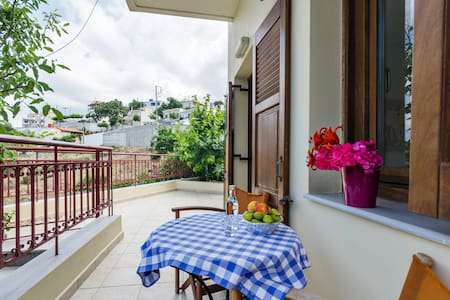NEW! Superb flat in tradit. village - Anogia Heraklion - บ้าน