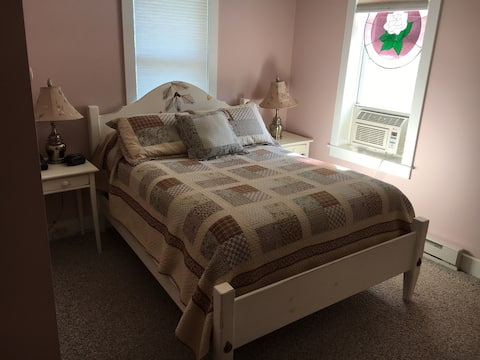 Cherry Room for 2 at the blue pelican inn