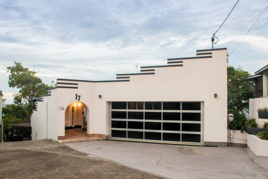 Large family home perched on top of Currumbin Beach Headland - Double car lock up garage and parking for an additional car
