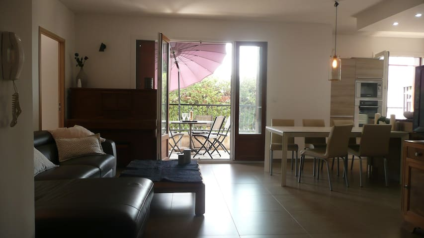 Aix Downtown Comfortable Flat with 3 Bedrooms - Aix-en-Provence - Apto. en complejo residencial