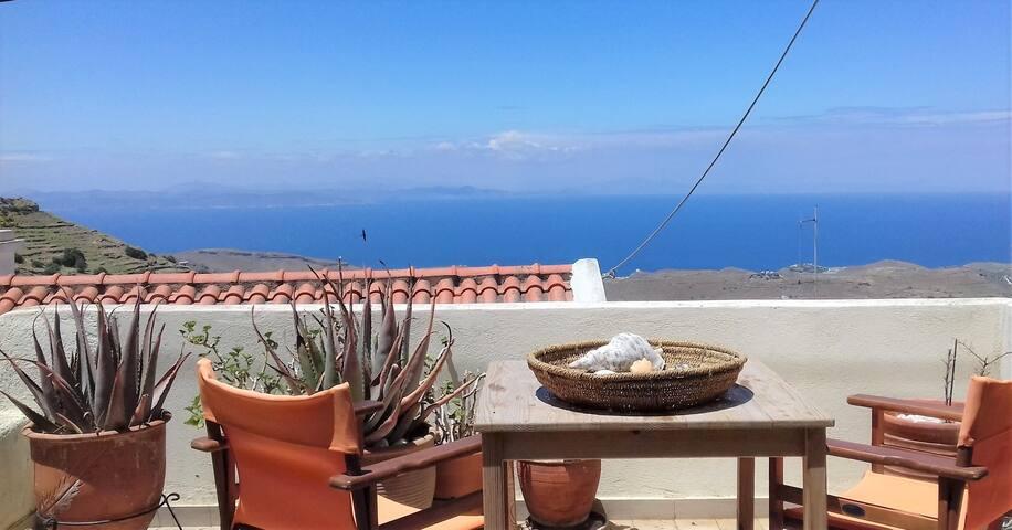 Cycladic, Sunny & Spacious Apt w/amazing view-Kea
