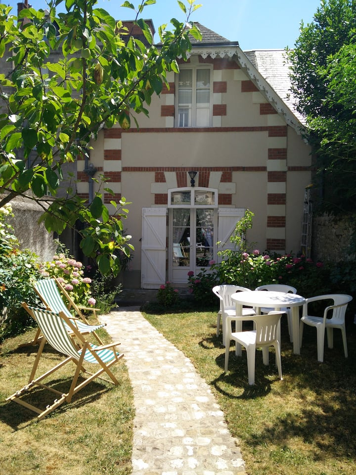 Gîte du Centre/home+garden and garage/2/3 persons