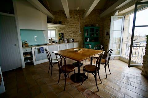 """La Grange Lagnes (Wohnung """"Grenier"""" mit Aussicht)"""