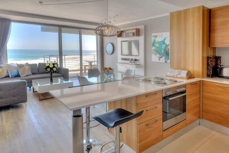 Horizon Bay 903 Beachfront Self Catering Apartment - Kaapstad - Appartement