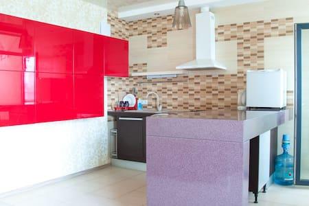 Квартира в новом доме с красивым интерьером - Kijev - Lakás