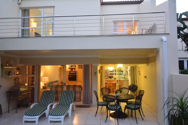 "D7 Sea Lodge ""On the Roxx"", Umhlanga"