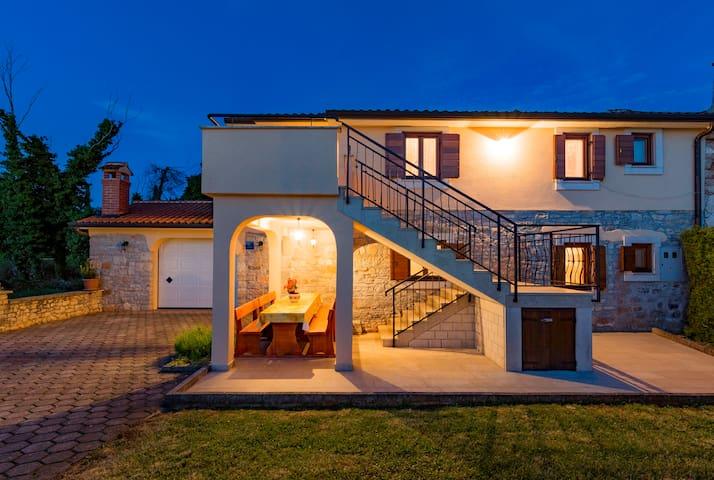 """Beautiful villa in Istria """"Tata"""" - last minute"""