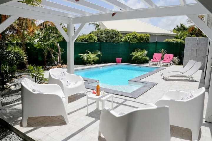 Petite Villa B Guadeloupe, piscine, accès plage
