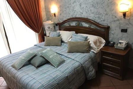 apartment suite de charme FCO AIRPORT - Isola Sacra - 公寓