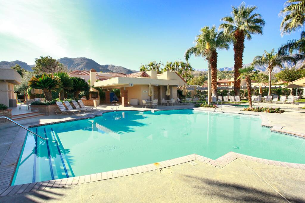 The Oasis Resort: 2 Master Bedrooms and 2 Master Bathrooms Condo. Great View. The Oasis Resort has 8 heated swimming pools and 9 Jacuzzis 5 Tennis courts. this condo sleeps 6. very private ,great get away.
