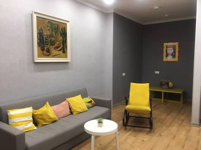Яркая и новая квартиры ждет тебя !!!