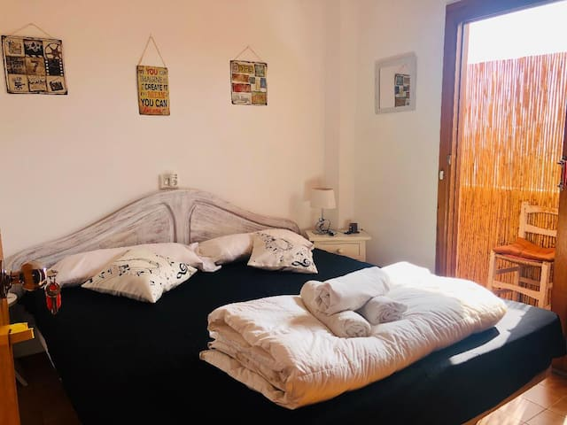 IBIZA*DOUBLE BED ROOM*TERRACE*NEAR SEA*