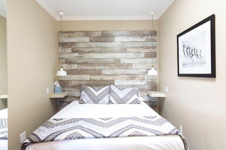 Luxury mattress, queen bed