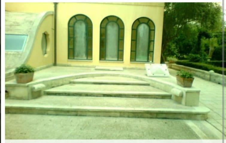 Depandance in villa d'epoca - Monteroni di lecce  - บ้าน