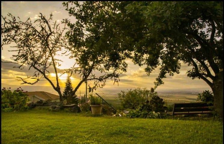 Sunset mountain hideaway