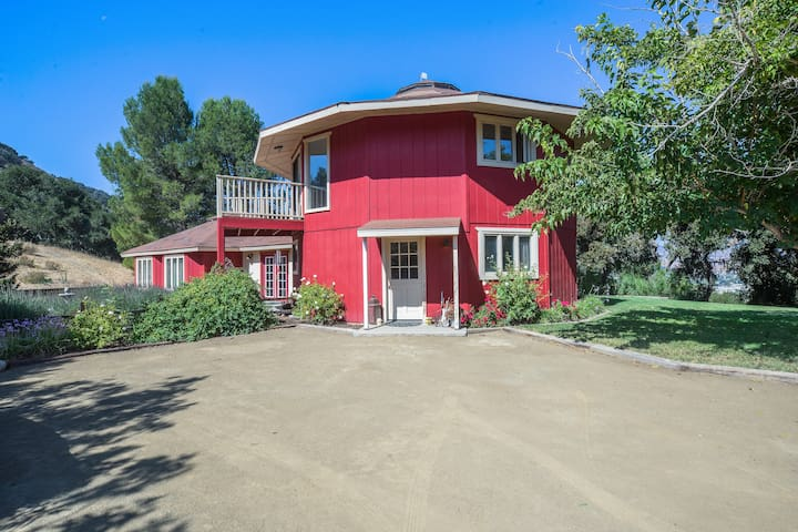 Hilltop 5BR Wine Country Retreat