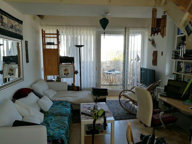 Feine kleine Wohnung - Burgau - Appartamento