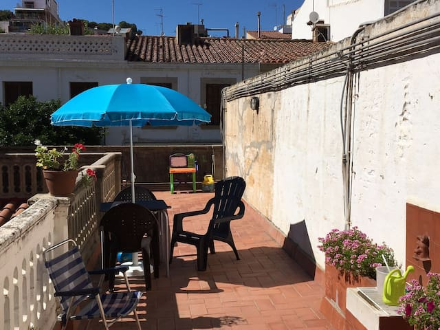 SWEET HOME BY THE BEACH - El Masnou - Apartment