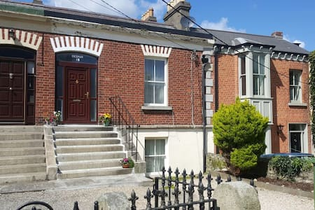 Comfortable double room in the heart of Dalkey