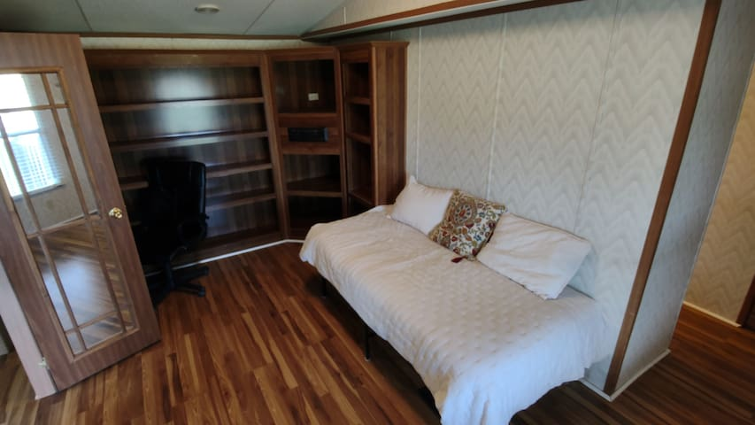 3rd Bedroom/Office Area Single Bed