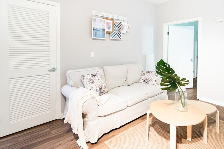 COZY Beach 2b2ba apt in Santa Monica FREE Parking