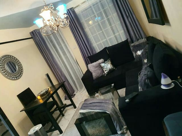 Bright,cozy and comfortable.near thika road mall.