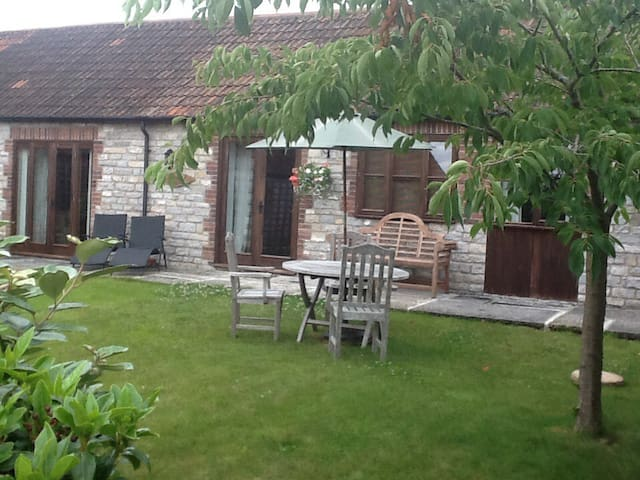 Pennard barn @ lower Withial farm - East Pennard, Shepton Mallet - Bungalow