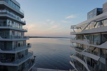 Dejlig lejlighed med skøn havudsigt