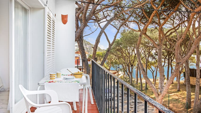 One bedroom Apartment sleeps 4 in Llafranc 2
