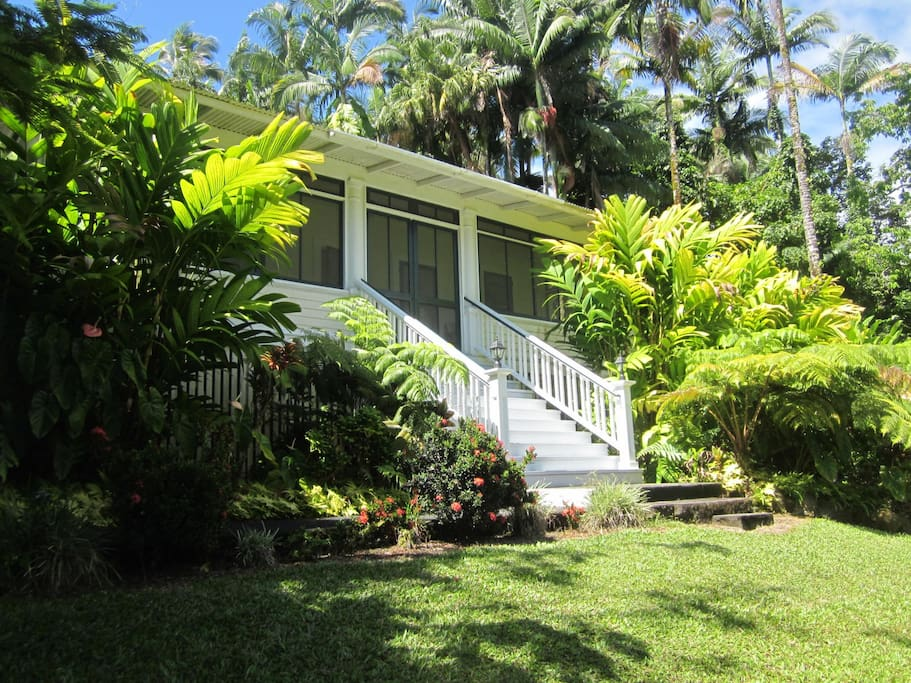 The Shipman House Guest Cottage, built 1910, housed long-term guests of the Shipman family in Hilo, Hawaii.