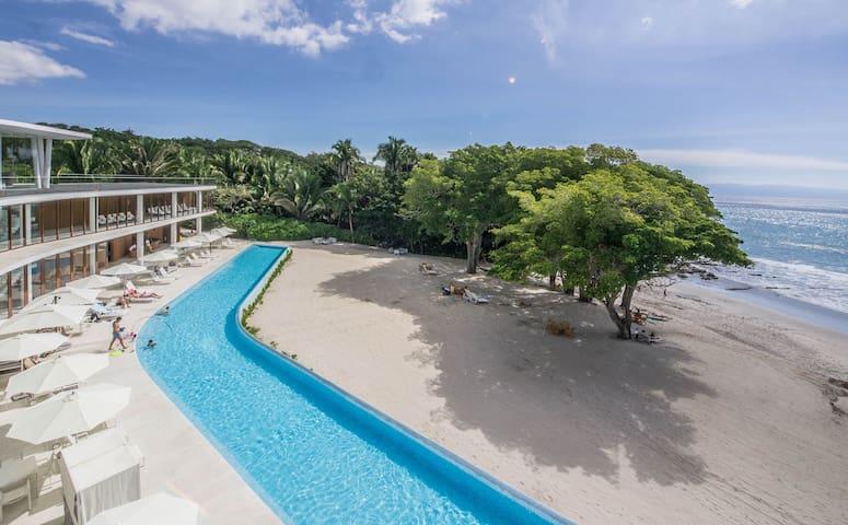3 bedrooms Beachfront condo in Bolongo Punta Mita
