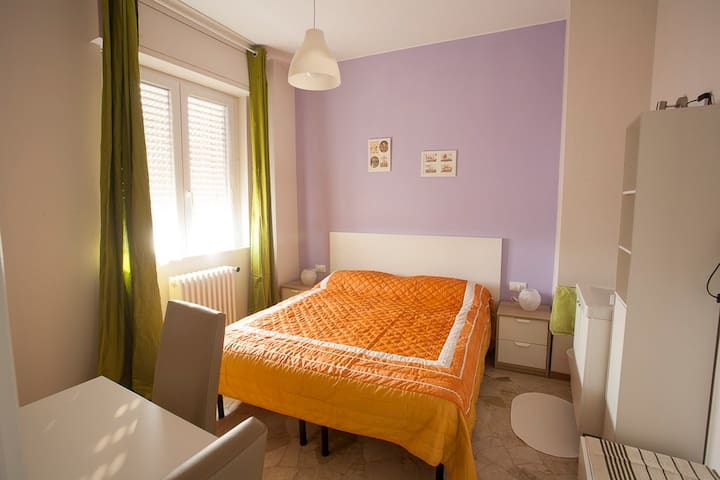 DOUBLE BED 5 mins CRESCENZAGO MM2 - Milano
