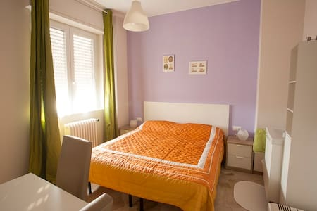 DOUBLE BED 5 mins CRESCENZAGO MM2 - Mailand - Wohnung
