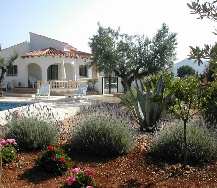 Pretty Villa JAX with private pool