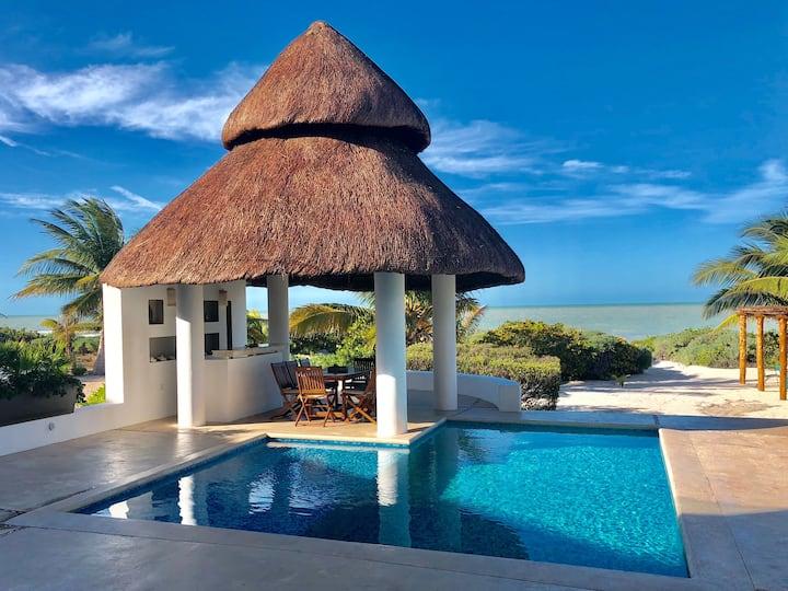 4 BR  Beach House, Uaymitún.