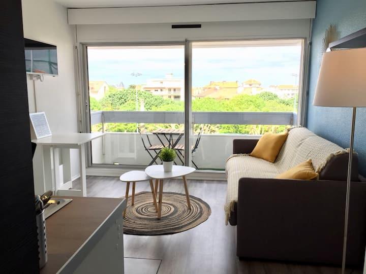 Studio avec balcon - 600m Cote des basques
