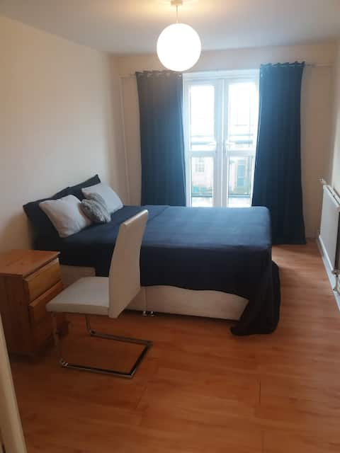 Clean, quiet and lovely double bed
