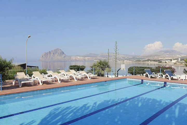 RESIDENCE TAMAREA- SWIMMING POOL - Tonnara di Bonagia - Apartment