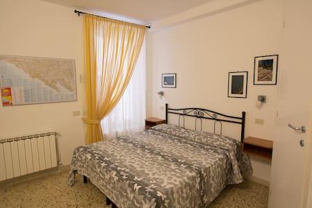 Carugiu B&B standard double room - Manarola - Bed & Breakfast