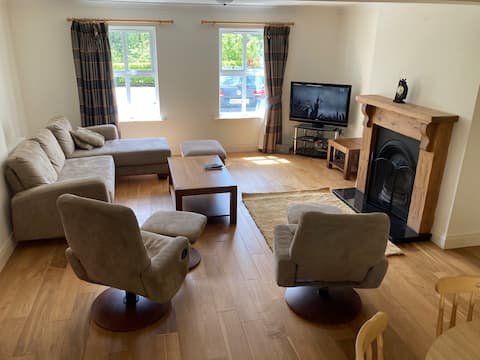 Fabulous home just a short walk to town centre