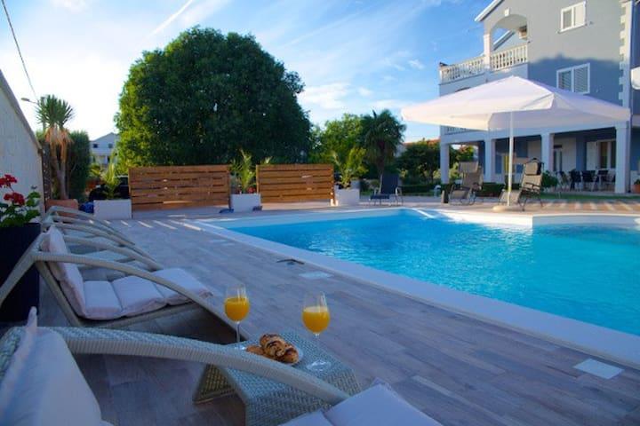 New apartment (2+1) with a pool! - Biograd na Moru - Apartment