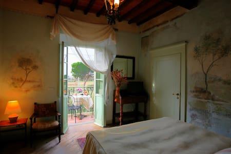 Room with terrace  in  Cortona - Cortona