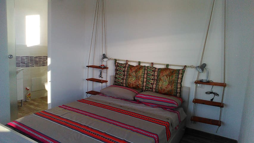 room with private bathroom, 350mtr from the beach
