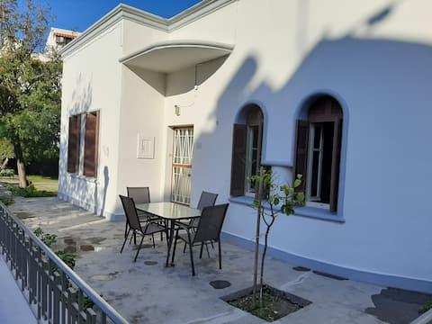 A detached house at the center of Kos