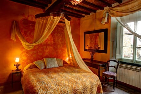 Suite  in Cortona with pool - Sodo