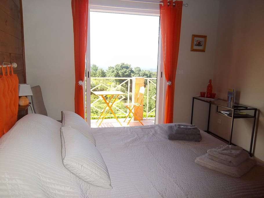 La chambre avec sa terrasse