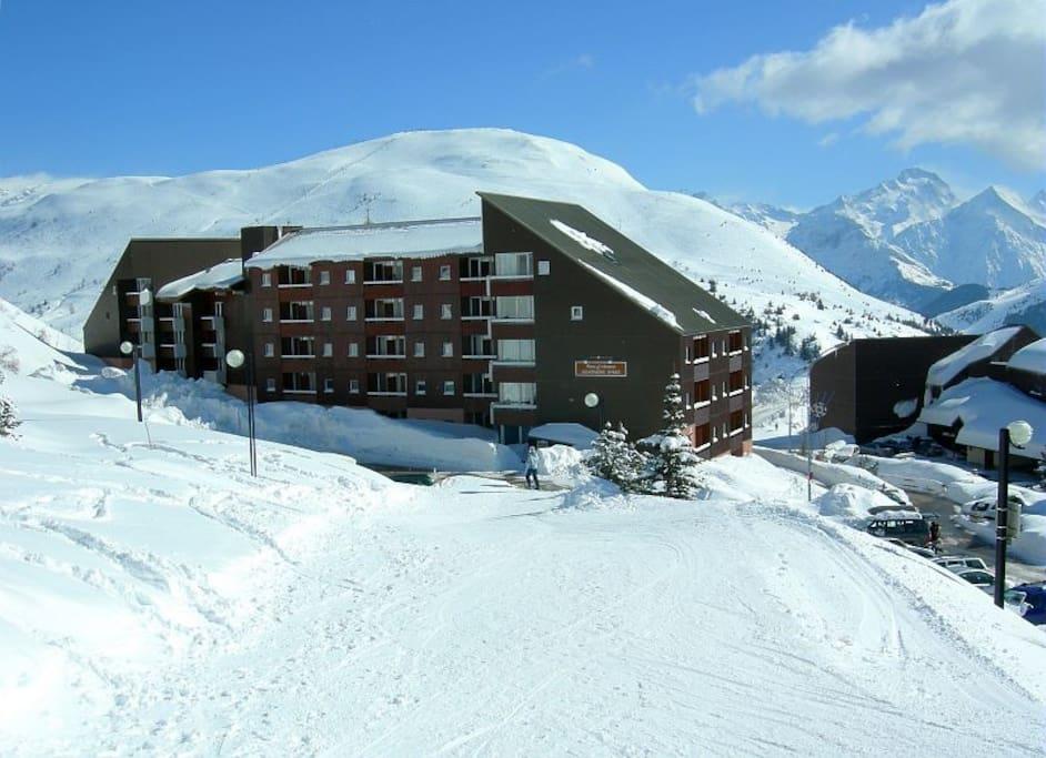 résidence arrière              retour a ski