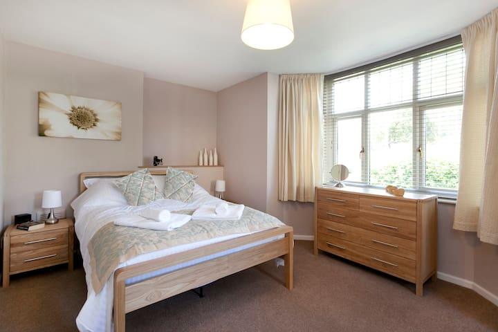 Trent Bridge View One Bedrooms Flat