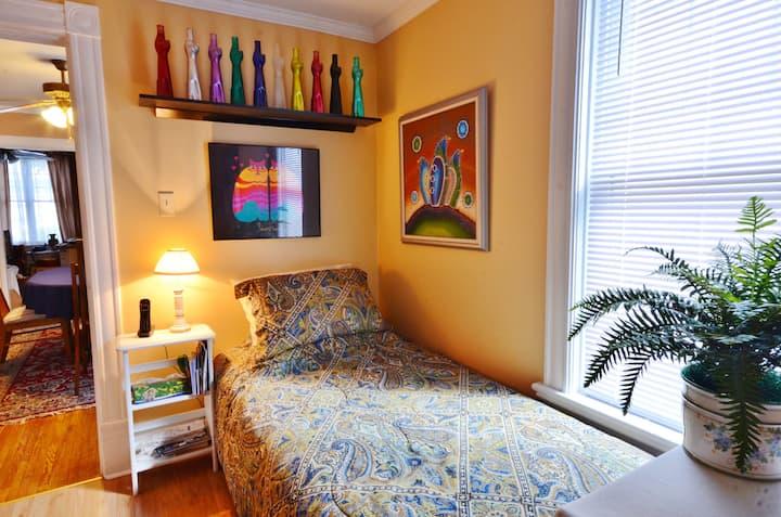 Heart of Niagara-Single room